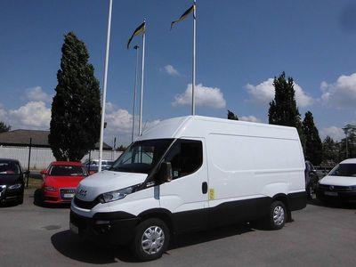 begagnad Iveco Daily 12m3 8-Stegs Aut företag 2016, Transportbil 189 875 kr