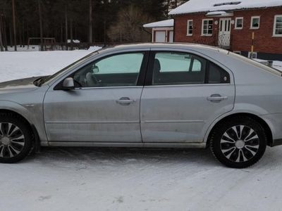 brugt Ford Mondeo Ghia -05