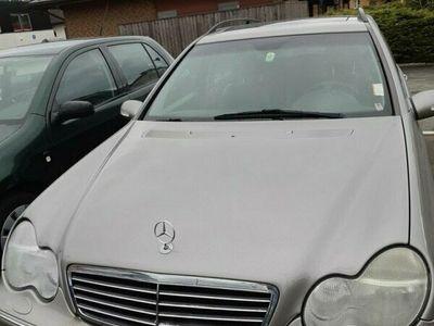 begagnad Mercedes C320