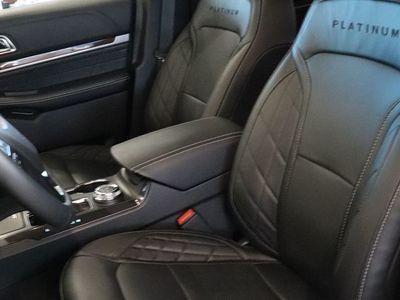 begagnad Ford Explorer PLATINUM 3.0 V6 370HK 4x4