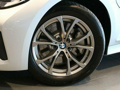begagnad BMW 330e Sedan Aut Plug In Hybrid Model Sport Nypris 515.300:-