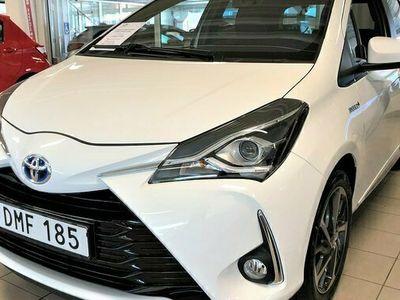 begagnad Toyota Yaris Verso Yaris 1,5 Hybrid Executive Com.Pack Plus, Vinterhjul 2018, Kombi Pris 159 900 kr