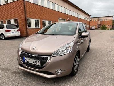 begagnad Peugeot 208 5-dörrar 1.2 VTi 82hk 10500 mil