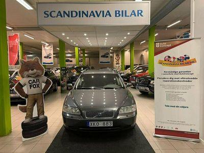 begagnad Volvo V70 2.4 Business 140hk Ny BES Drag Välvårdad