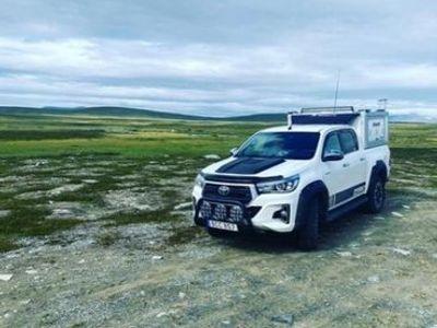 begagnad Toyota HiLux 2,4d d-cab 4WD ultimate, skinn