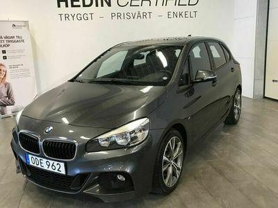 begagnad BMW 220 i xDrive Tourer M - Sport Pano / Skinn / Drag / Navi