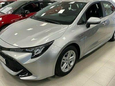 begagnad Toyota Corolla Hybrid Active SPI V-hjul 2021, Halvkombi Pris 224 900 kr