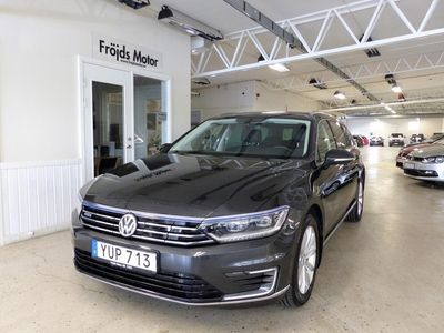 begagnad VW Passat SPORTSCOMBI 1.4 TSI DSG6 Executive Business Euro 6 156hk Drag Värmare