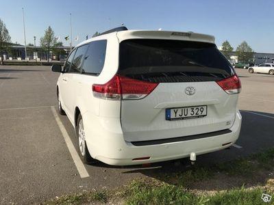 begagnad Toyota Sienna xle limited awd -12