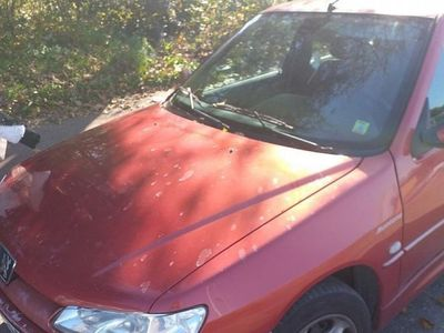 begagnad Peugeot 306 1.8 säljes i betligt skick -99