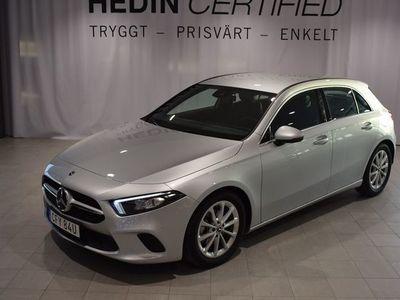 begagnad Mercedes A180 //Progressive Line // Apple Carplay // Inredningspanel i mörk kolfiberoptik