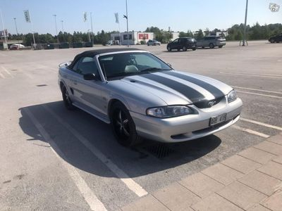 begagnad Ford Mustang GT cab -95