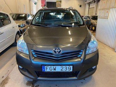 begagnad Toyota Verso 2.2 D-4D D-CAT 7-sits 177hk