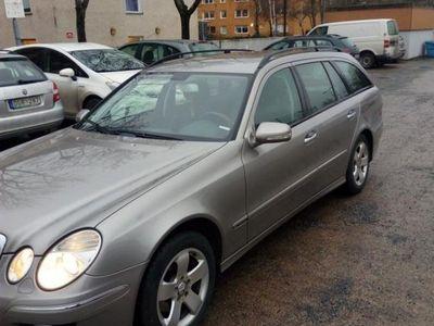 begagnad Mercedes E200 komp silver