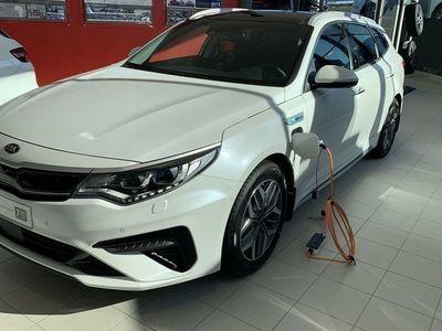 begagnad Kia Optima Hybrid SW PLUG-IN SUPERKAMPANJ FRÅN 3.995:-