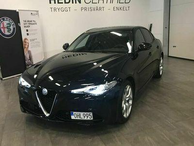 begagnad Alfa Romeo Giulia SUPER 2.0 TBI 200HK 8 AUT Dragkrok Carplay Avdragbar moms