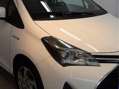 begagnad Toyota Yaris rlhybrid active 101hk motor -16