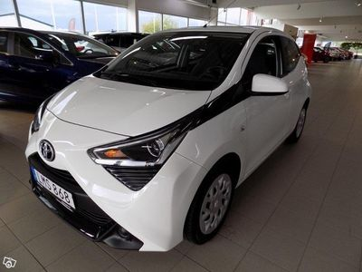 begagnad Toyota Aygo X-PLAY 5-dörrar