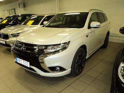 begagnad Mitsubishi Outlander P-HEV 2,0 Hybrid 4WD CVT