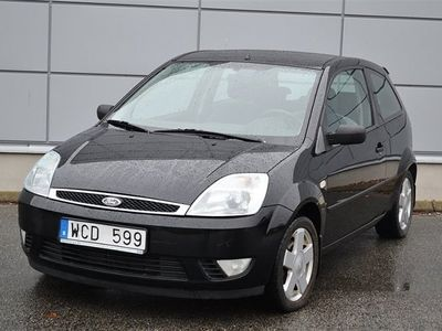 begagnad Ford Fiesta 1.4 80hk Nybesiktigad Lågmil Svensksåld