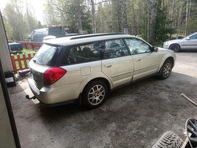 begagnad Subaru Outback 2.5 4WD Bensin Automat