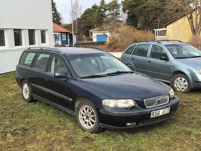 begagnad Volvo V70 2.4 ENDAST 18000 MIL