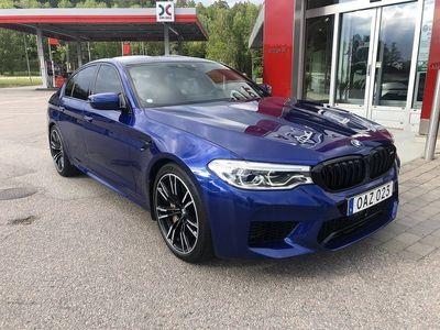 begagnad BMW M5 X-DRIVE 600HK // GRYM SPEC // KERAMISKA // SVENSKSÅLD