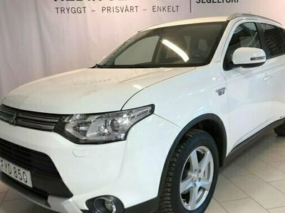 begagnad Mitsubishi Outlander P-HEV 4WD Drag Nav S V-hjul 2015, SUV Pris 169 000 kr