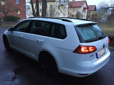 begagnad VW Golf Sports Combi 1.2 TSI AUTOMAT -16