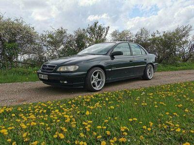 begagnad Opel Omega 4D 2.2 ELEGAN