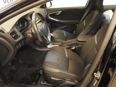 begagnad Volvo V40 D3 Momentum Business Edition -14