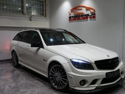 begagnad Mercedes C63 AMG AMG TAKLUCKA 525HK MAX UTR