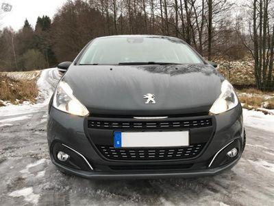 """begagnad Peugeot 208 Active style puretech 82 """"UNIK"""" -16"""