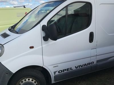used Opel Vivaro VAN.