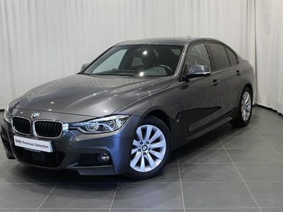 begagnad BMW 330e M-Sport Harman Kardon 2018, Sedan 359 500 kr