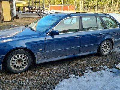 begagnad BMW 525 I TOU MJ02