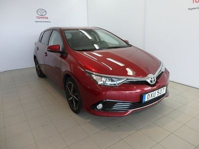 used Toyota Auris 1,2T 5-D MAN INTENSE EDITION