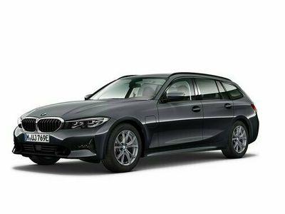 begagnad BMW 330e Touring Steptronic Euro 6 ink. Vinterhjul 2021, Personbil Pris 544 000 kr