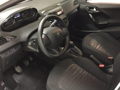 begagnad Peugeot 208 COOL Pure Tech 68