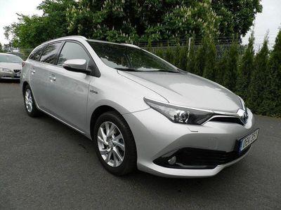 begagnad Toyota Auris Hybrid 1.8 VVT-i + Euro 6 136hk