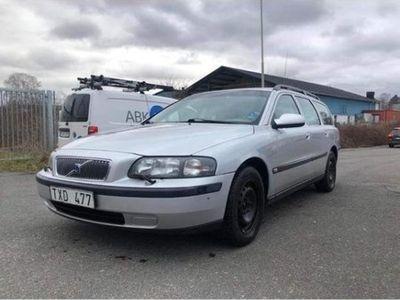 begagnad Volvo V70 manuell NYBESIKTIGAD
