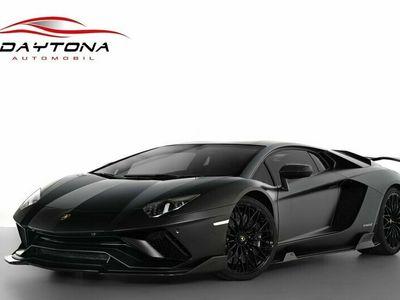 begagnad Lamborghini Aventador S LP740-4 / Nero Design