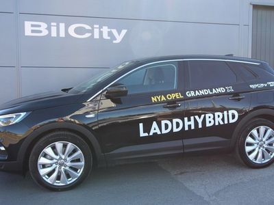 begagnad Opel Grandland X Hybrid4 Hybrid 4x4 (förmånsvärde 1.380kr, årlig skatt 360 kr)