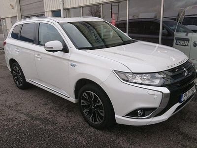 begagnad Mitsubishi Outlander P-HEV 2.0 4WD 2017, SUV 329 000 kr