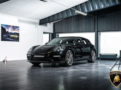 begagnad Porsche 911 Turbo S PanameraE-Hybrid Sport Turismo 680hk