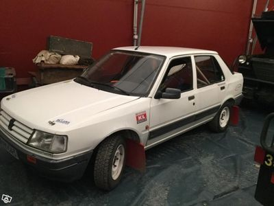 begagnad Peugeot 309