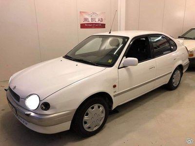 begagnad Toyota Corolla Liftback 1.6 VVT-i 110hk Bes l -00
