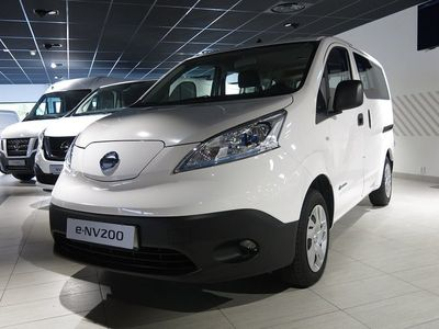 begagnad Nissan e-NV200 COMBI 7 COMFORT PLUS 40 KWH DSD TAILGATE