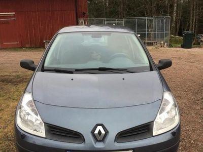 begagnad Renault Clio III 1.2 75hk 5dr