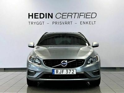begagnad Volvo V60 D5 AWD Plug - in hybrid R - Design Drag Backkamera